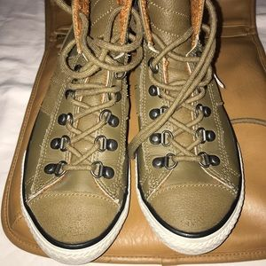 Size 4 Leather/Suede Converse!